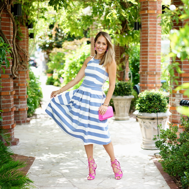 Js Everyday Fashion - 30 Questions on 30A Blue+stripe+dress+with+pink+accessories