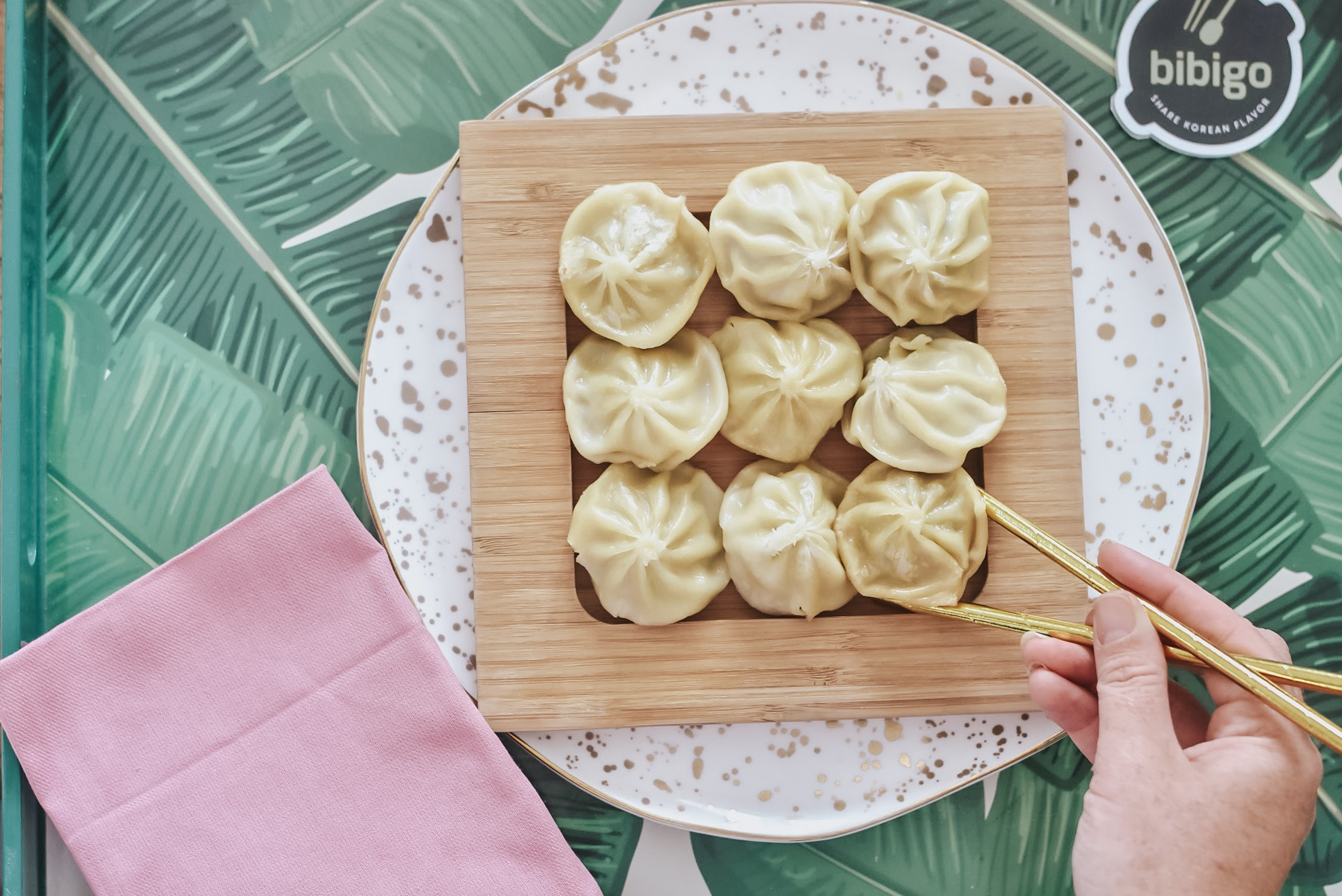 30A Mama Jami Ray - Bibigo Steamed Dumplings 1