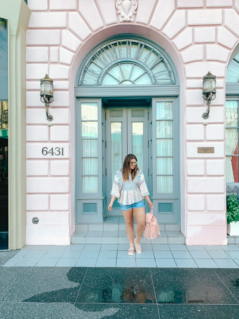 30A Mama Travels - Universal - Hollywood - Pink Building