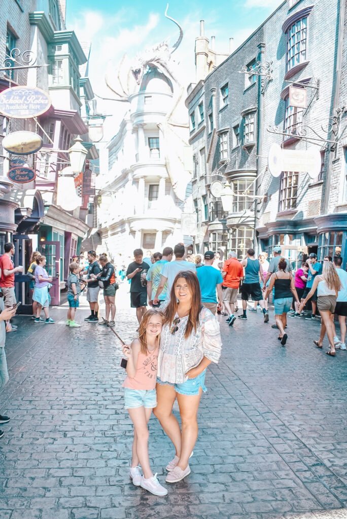 30A Mama Travels - Wizarding World of Harry Potter - Diagon Alley